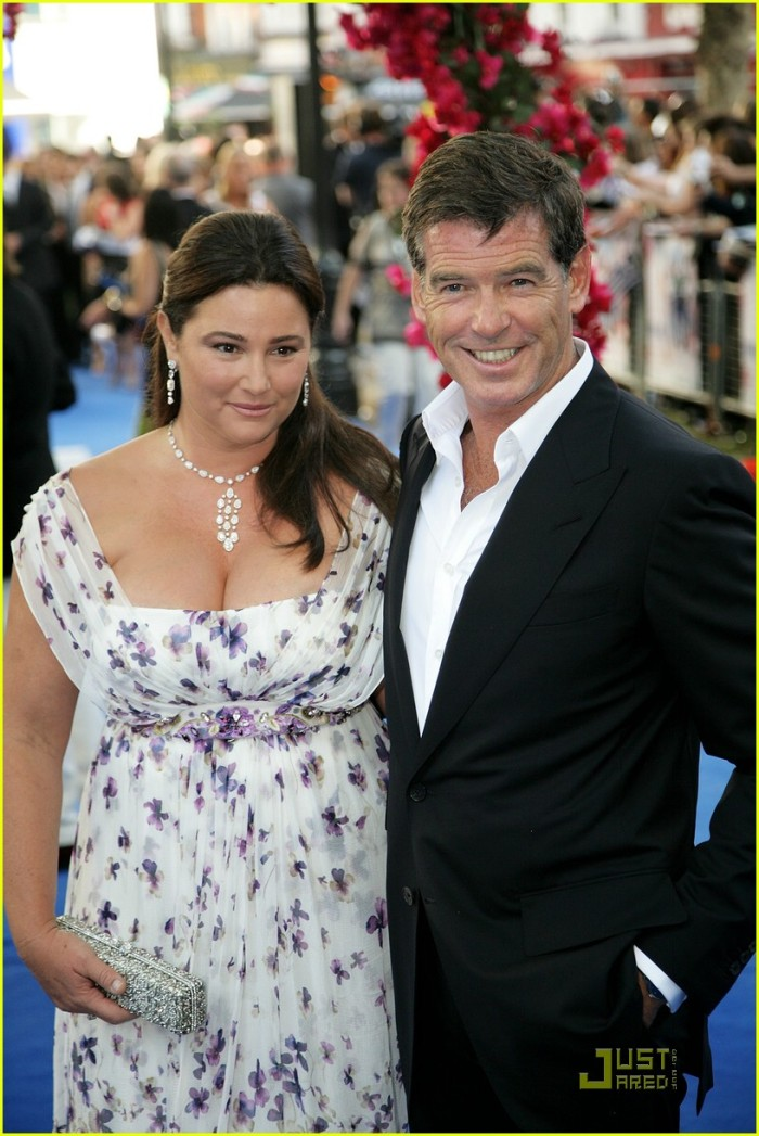 pierce-brosnan-keely-shaye-smith-mama-mia-06